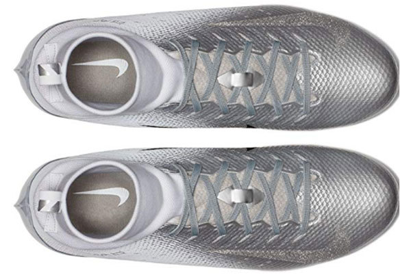 Nike Vapor Untouchable Pro 3 Mens Football Cleats Pairs